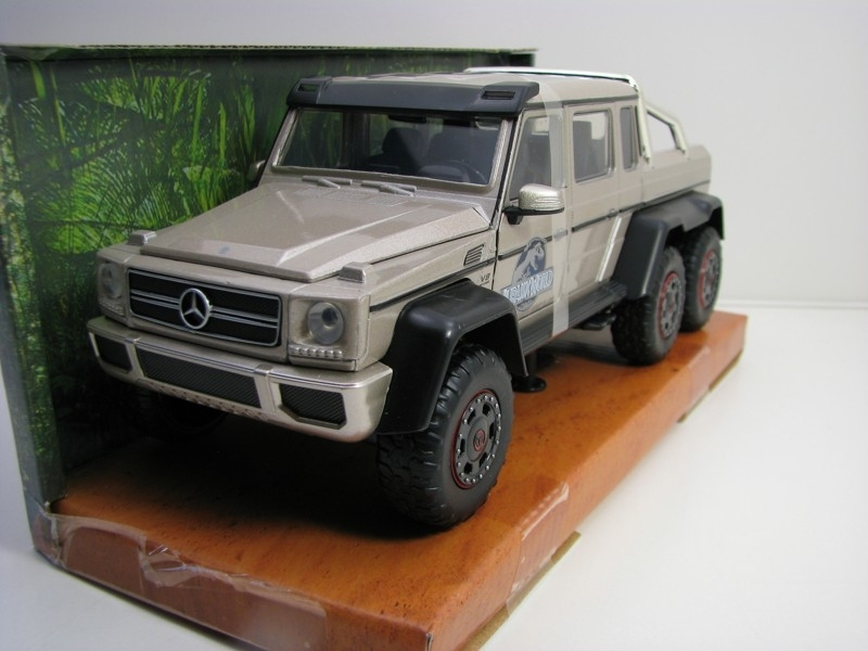 Mercedes-Benz G 63 AMG 6x6 Jurassic World 1:24 Jada